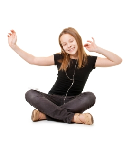 Girl-dancing-with-ipod