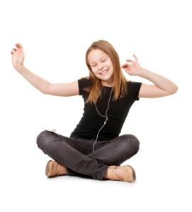 Girl-dancing-with-ipod